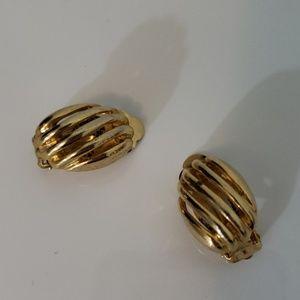 Vintage : Gold Clip Earrings